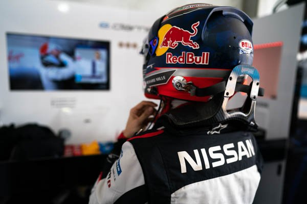@Nissan Buemi.jpg